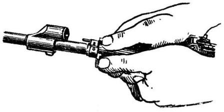 Рис. 21. Сдвигание соединительной муфты АК74