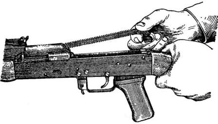 Рис. 8. Отделение возвратного механизма АК74